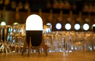 Lucis-wireless-lighting-3-bar-restaurant-cafe-00038